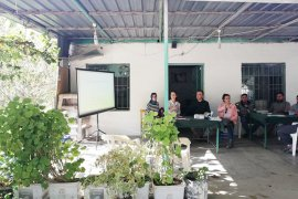 Çiftçilerle organik zeytin toplantısı