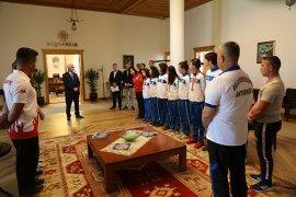 Büyükşehrin başarılı sporcularından Başkan Gürün'e ziyaret