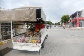 Seyyar pazarcılar görev başında