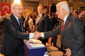 CHP'li belediye başkanları İzmir'de bir araya geldi