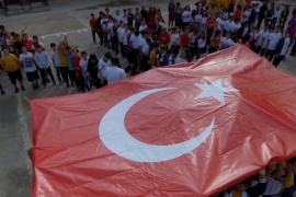 Öğrencilerden Barış Pınarı'na destek kareografisi