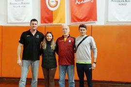Galatasaray voleybol okulu antrenmanına katıldılar
