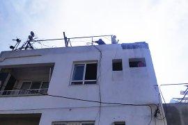 Çatıdaki tüp binayı yakıyordu