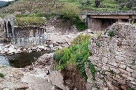 500 yıllık köprü ayağa kaldırılıyor