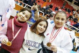 Belediyespor Karate Takımı Kuşadası'nda yarıştı