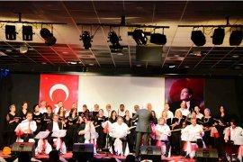 Türk Halk Müziği Topluluğu'ndan veda konseri...