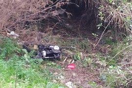 Köprü altında parçalanmış motosiklet bulundu