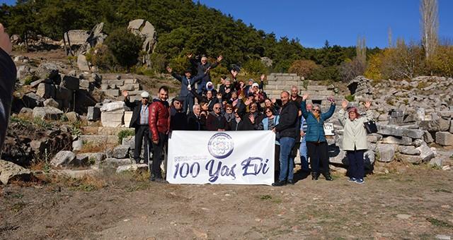 100 Yaş Evi Üyelerine Milas Turu