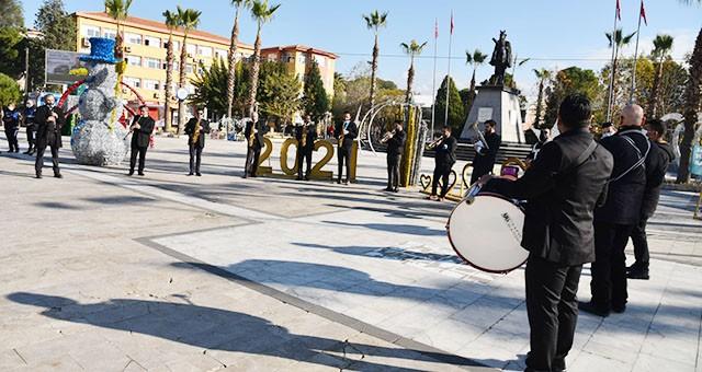 Milas Belediyesi'nden yeni yıla özel kutlama