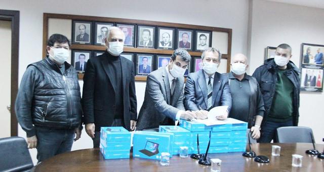 TOBB / MİTSO işbirliğinde tabletler öğrencilere ulaştırıldı