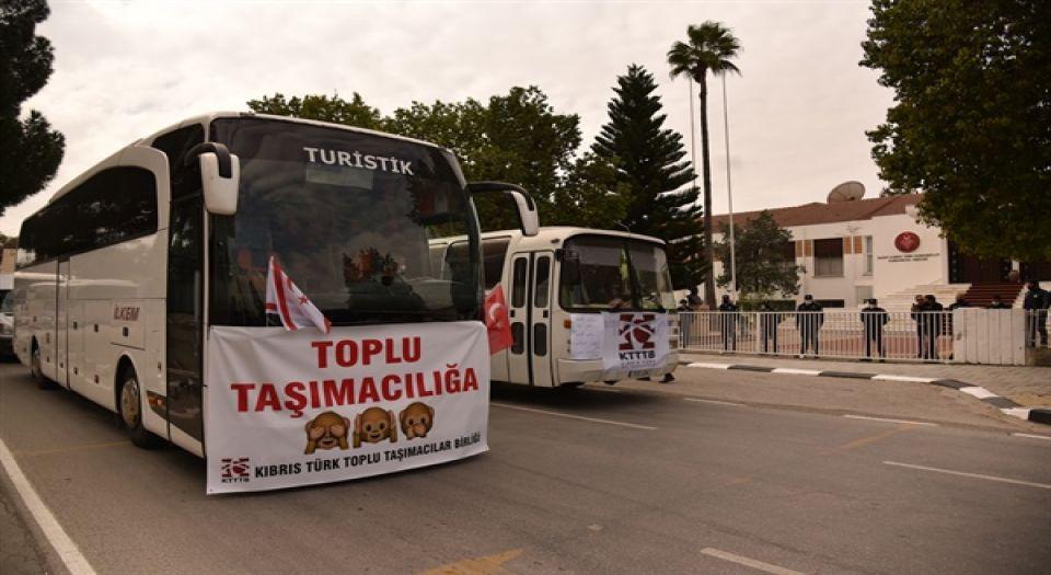 Kuzey Kıbrıs'ta Taşımacılardan Büyük Eylem