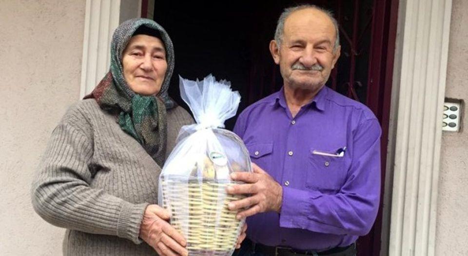 Kocaeli Körfez'den Asırlık Çiftlere Meyve Sepeti