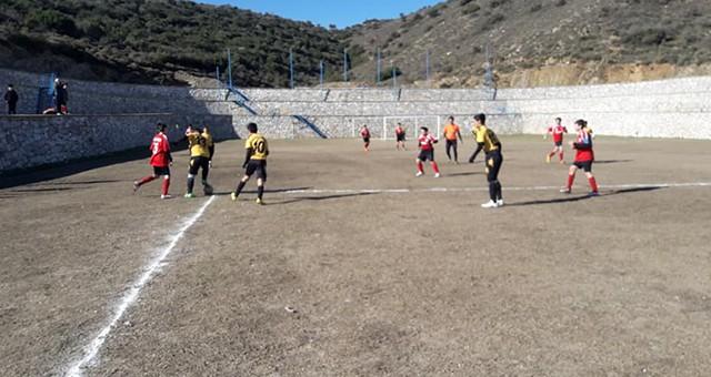 Yıldızlar Futbollarıyla Soğuk Havayı Isıttılar