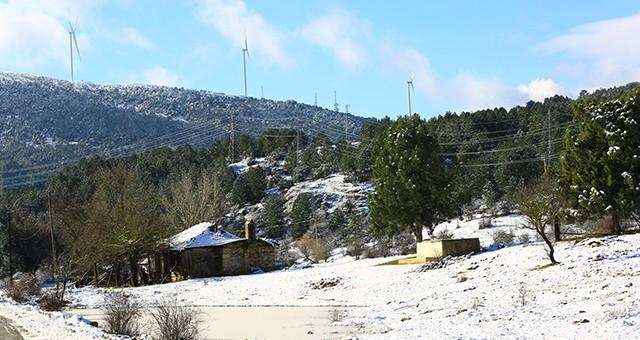 Muğla'ya mevsimin ilk kar'ı düştü