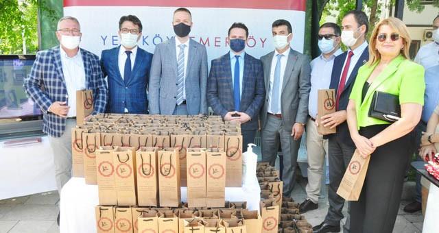 Yeniköy Kemerköy Milas Bilim Şenliği'nde bin adet lavanta fidesi dağıttı