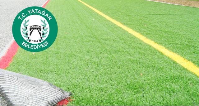 Sentetik çim yüzeyli futbol sahası ile soyunma yerleri yaptırılacaktır