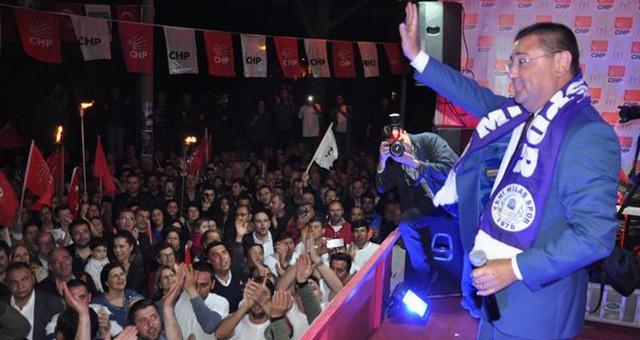 CHP'nin Merkezdeki İlk Mahalle Toplantısı  ÇOK KALABALIK, RENKLİ VE COŞKULUYDU..
