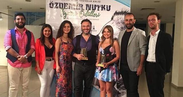Karya Tiyatro Atölyesi 2 ödül aldı...  En İyi oyun yazarı Dağlar Uygur en iyi yardımcı kadın oyuncu Aslıhan Kumtepe