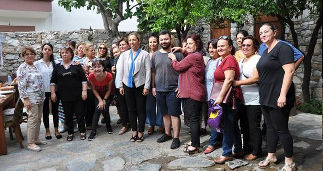 İYİ Parti Kadın Kolları, gazetecilere kahvaltı verdi