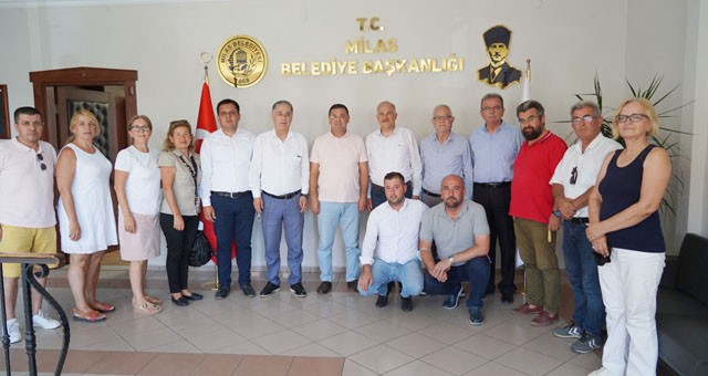 CHP HEYETİNDEN BAŞKAN TOKAT'A ZİYARET