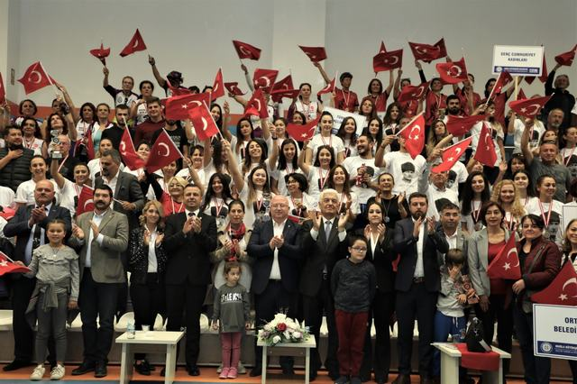 29 Ekim Cumhuriyet Kadınları Voleybol Turnuvası tamamlandı