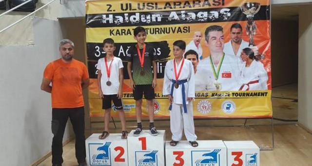 Milaslı Karateciler Yüzümüzü Ağartmaya Devam Ediyorlar ...10 sporcu 8 derece