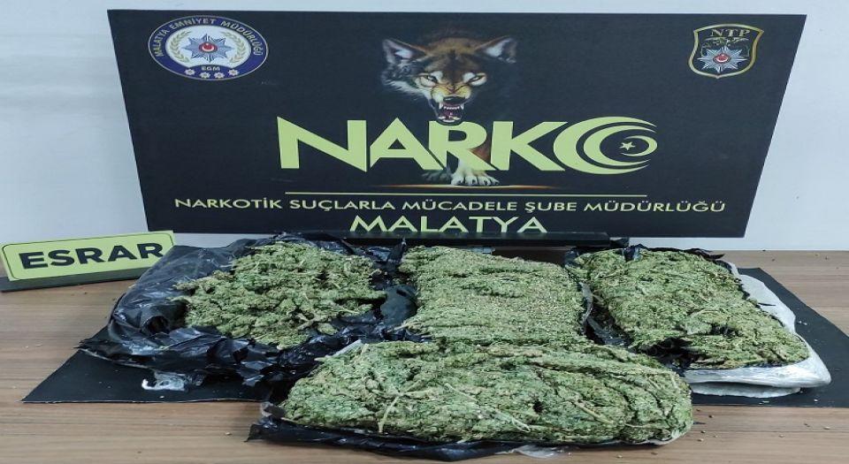 Malatya'da Araç İçnde 3 Kilo Kubar Esrar Ele Geçirildi