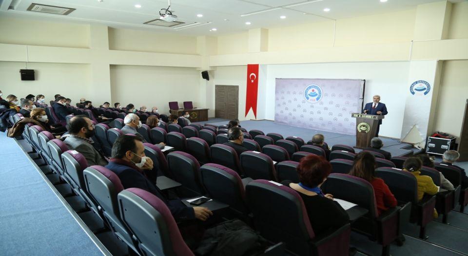 Asü'de 8 Akademisyene Performans Ödülü