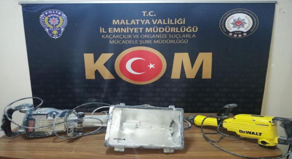 Malatya'da Kaçak Kazı Yapan 5 Kişi Yakalandı