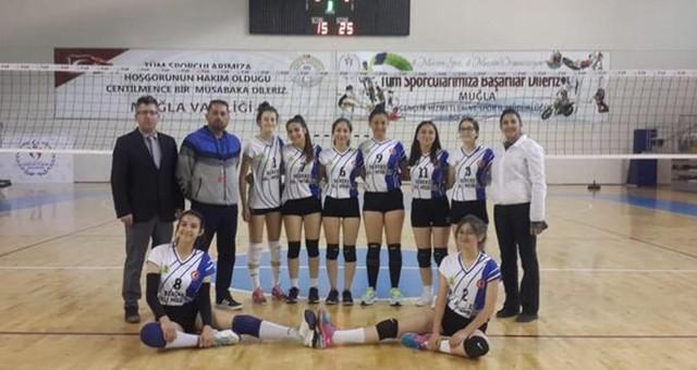 Cumhuriyet Anadolu Lisesi Finalde