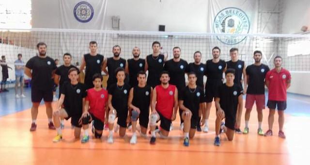 Milas Belediyesi Voleybol takımı 2 Maçla Salona İndi