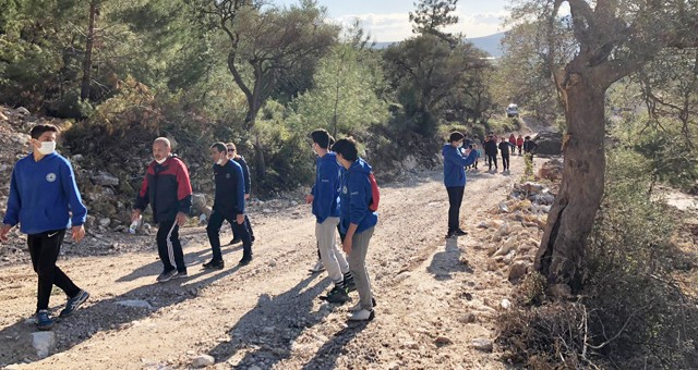 Milas Gençlik Merkezi'nden Doğa Yürüyüşü