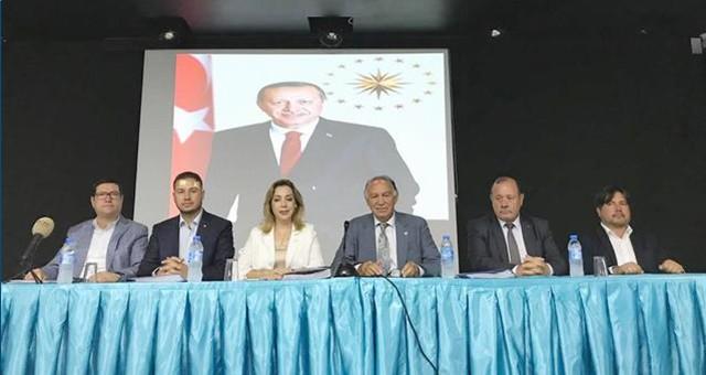 AKP'li Vekiller Muhtarlarla Buluştu
