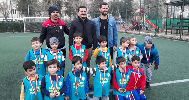 Minik afacanlar bu kez dostluk maçına çıktı