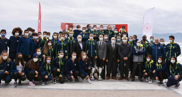 Ezeli rekabet, federasyon kupası kürek yarışlarında Köyceğiz'de yaşandı