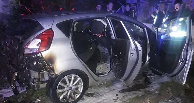 Akkent'te park halindeki araç kundaklandı