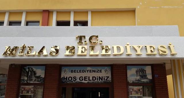 T.C. İbaresi yeniden Milas Belediyesi Tabelasında…
