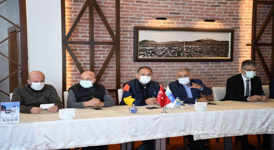 Kayseri'nin Zirvesinde Özhaseki'ye 'yatırım' Sunumu