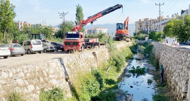 Balavca Deresi'nden 120 ton atık çıktı