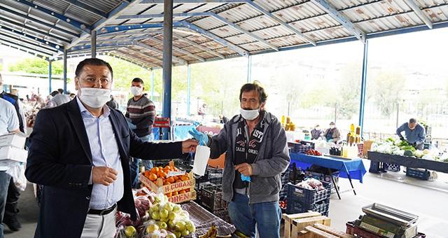 Milas Belediyesi 220 bin maske dağıttı.