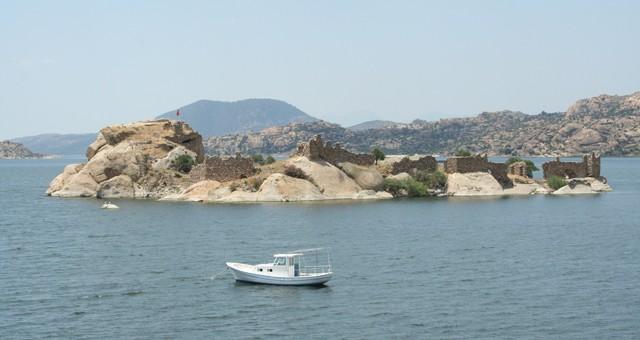 Bafa Gölü kıyısında, Latmos Herakleiasında sonunda arkeolojik kazılar başlıyor