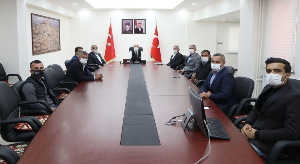 Mardin Valisi, Mahalle Muhtarlarıyla Hizmet Toplantısı Yaptı