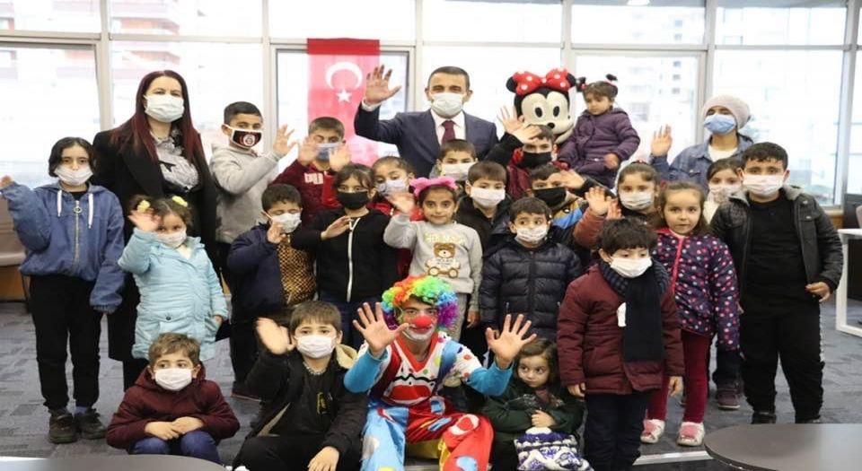 Siirt Hamiyet Merkezi'nde Yetim Çocuklar Sevindirildi