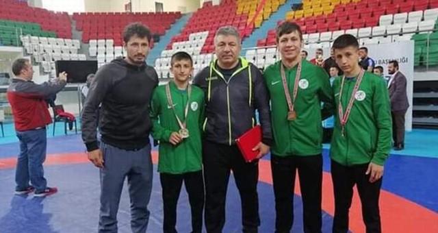 2 Türkiye Şampiyonu, 1 Türkiye İkincisi Çıkardı