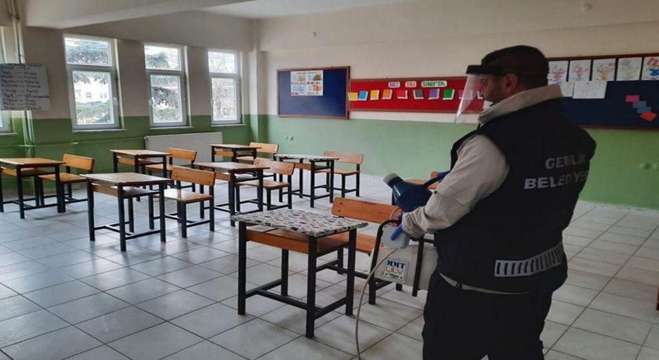 Gemlik'te Dezenfekte Edilen 6 Okulda Eğitim Başlıyor