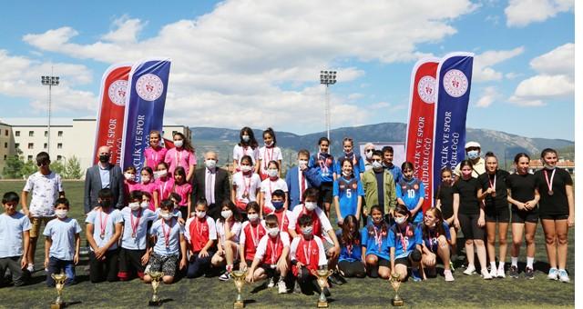 Turkcell Küçükler Atletizm Festivali yapıldı