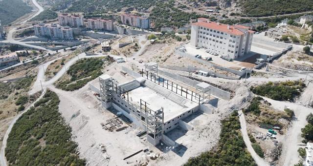 Kapalı spor salonu inşaatı yükseliyor