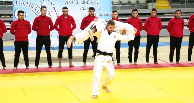 Polisler Judo Eğitimlerini başarıyla tamamladılar