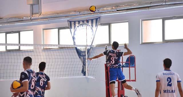 Milas Belediyespor Voleybol Takımı, ligin ikinci maçında 3-0 mağlup..