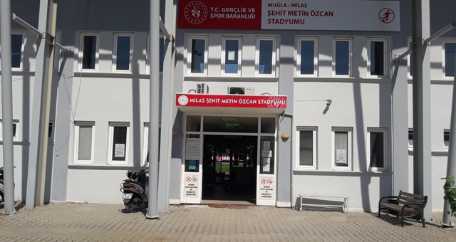 Milas Stadyumu spora açıldı